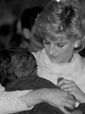 diana-and aids baby x 6