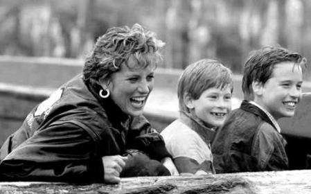 diana and sons laughter x4