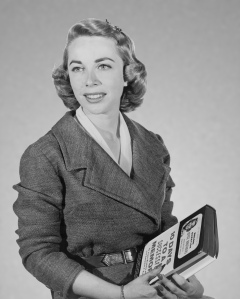 Joyce_Brothers_with book