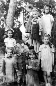 irenesendlerjewish children at polish convent 1943
